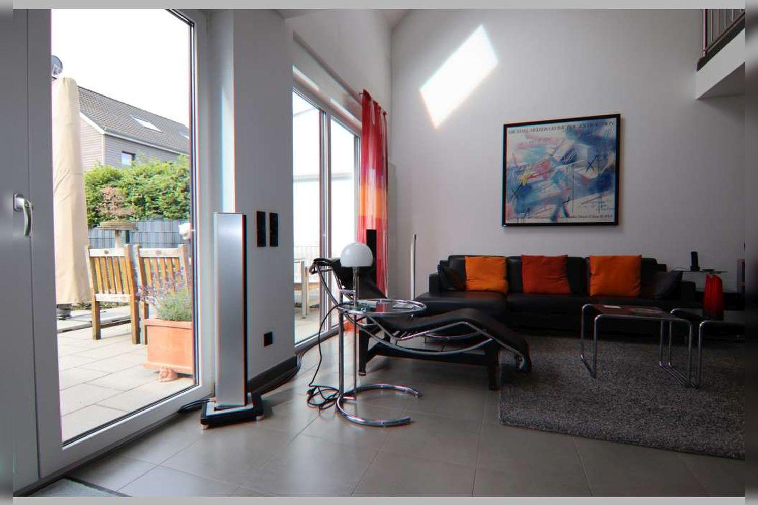 Immobilie Nr.0267 - Doppelhaushälfte mit 4 Zimmern, Küche, Diele, Badzimmer, Gäste-WC, Garten und Garage - nicht unterkellert - Bild 7.jpg