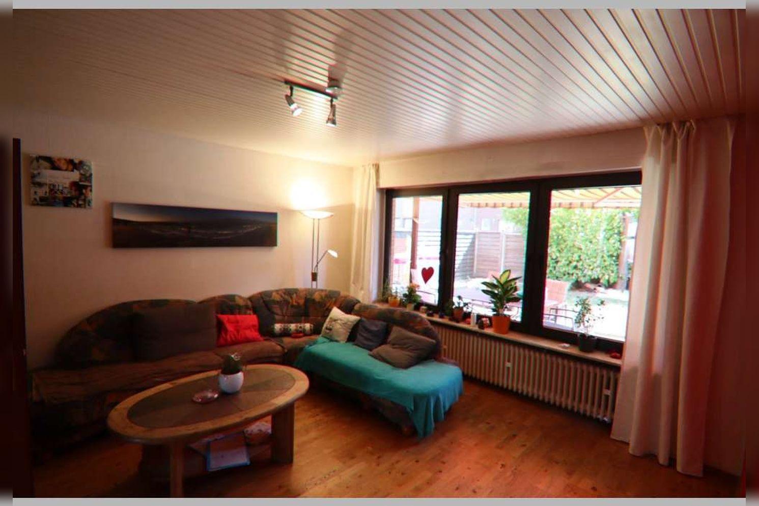 Immobilie Nr.0268 - Reihenmittelhaus mit 4 Zimmern, Küche, Diele, Badezimmer, Gäste-WC, Garten, Garage und Stellplätzen - Bild 10.jpg