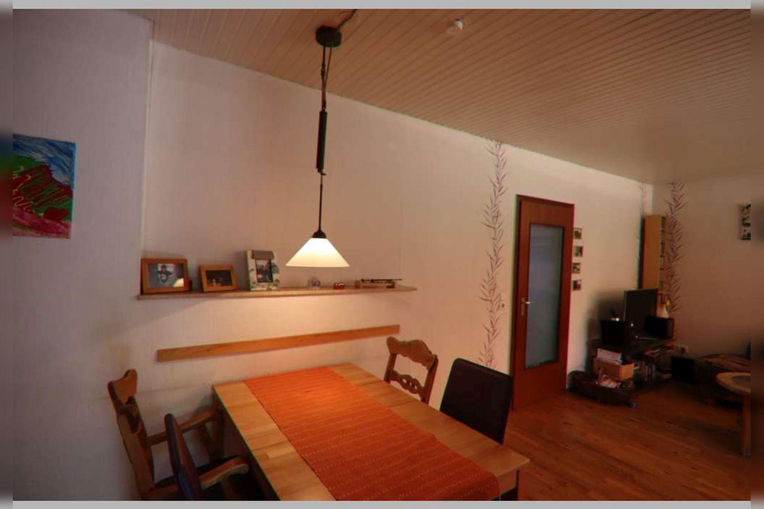 Immobilie Nr.0268 - Reihenmittelhaus mit 4 Zimmern, Küche, Diele, Badezimmer, Gäste-WC, Garten, Garage und Stellplätzen - Bild 11.jpg