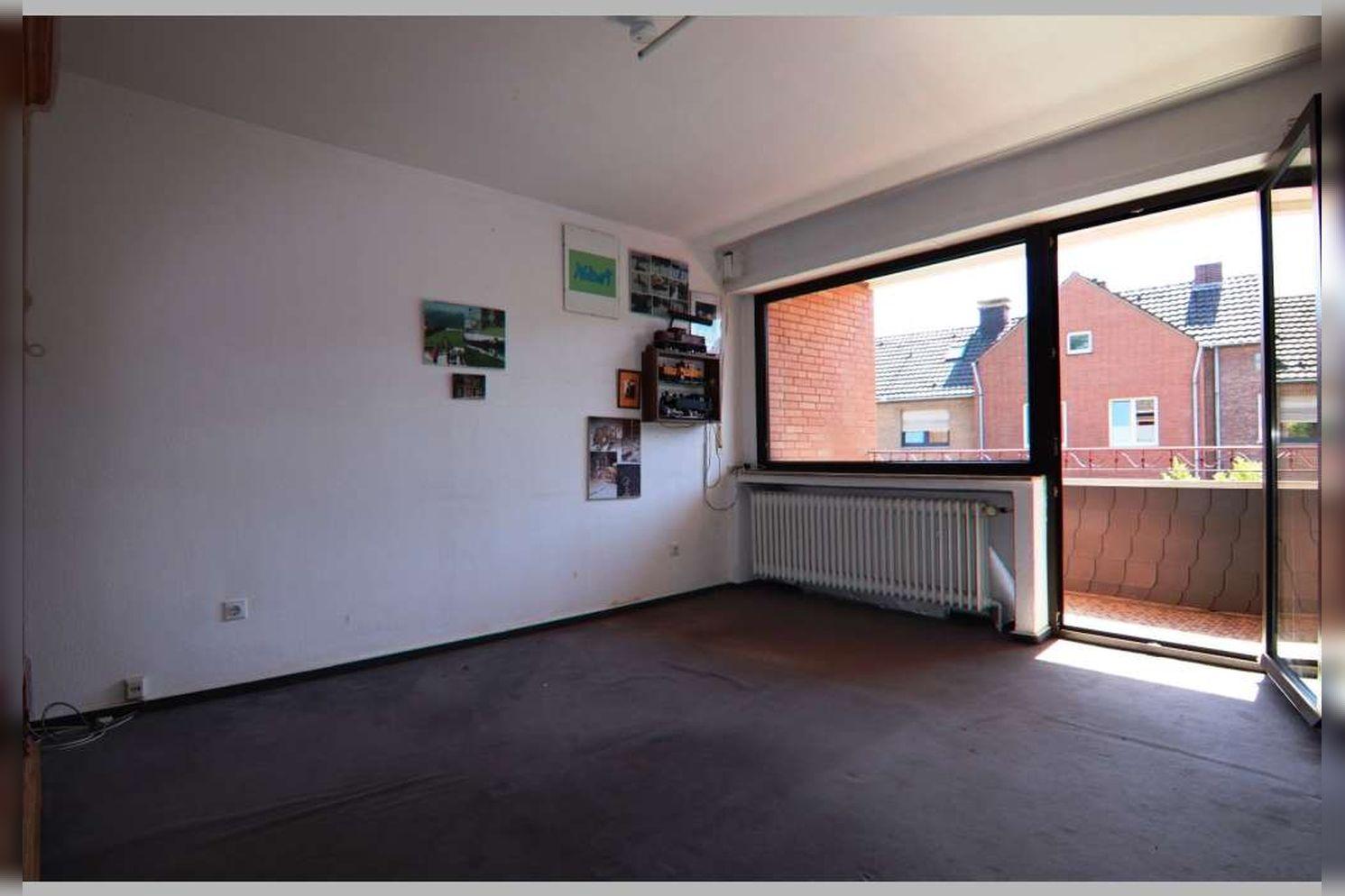 Immobilie Nr.0268 - Reihenmittelhaus mit 4 Zimmern, Küche, Diele, Badezimmer, Gäste-WC, Garten, Garage und Stellplätzen - Bild 13.jpg