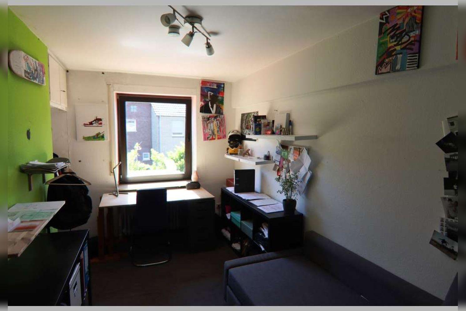 Immobilie Nr.0268 - Reihenmittelhaus mit 4 Zimmern, Küche, Diele, Badezimmer, Gäste-WC, Garten, Garage und Stellplätzen - Bild 14.jpg