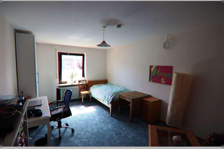 Immobilie Nr.0268 - Reihenmittelhaus mit 4 Zimmern, Küche, Diele, Badezimmer, Gäste-WC, Garten, Garage und Stellplätzen - Bild 15.jpg