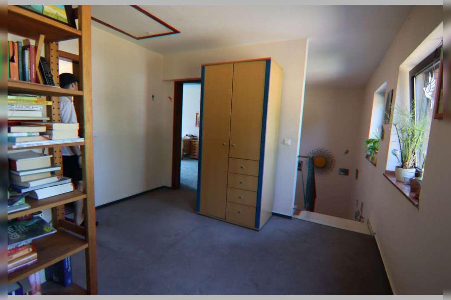 Immobilie Nr.0268 - Reihenmittelhaus mit 4 Zimmern, Küche, Diele, Badezimmer, Gäste-WC, Garten, Garage und Stellplätzen - Bild 16.jpg