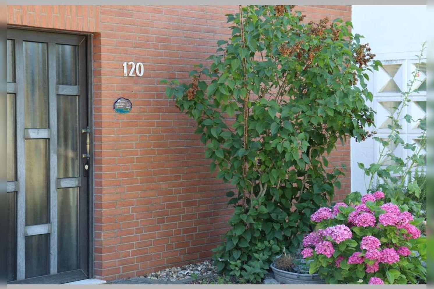 Immobilie Nr.0268 - Reihenmittelhaus mit 4 Zimmern, Küche, Diele, Badezimmer, Gäste-WC, Garten, Garage und Stellplätzen - Bild 5.jpg