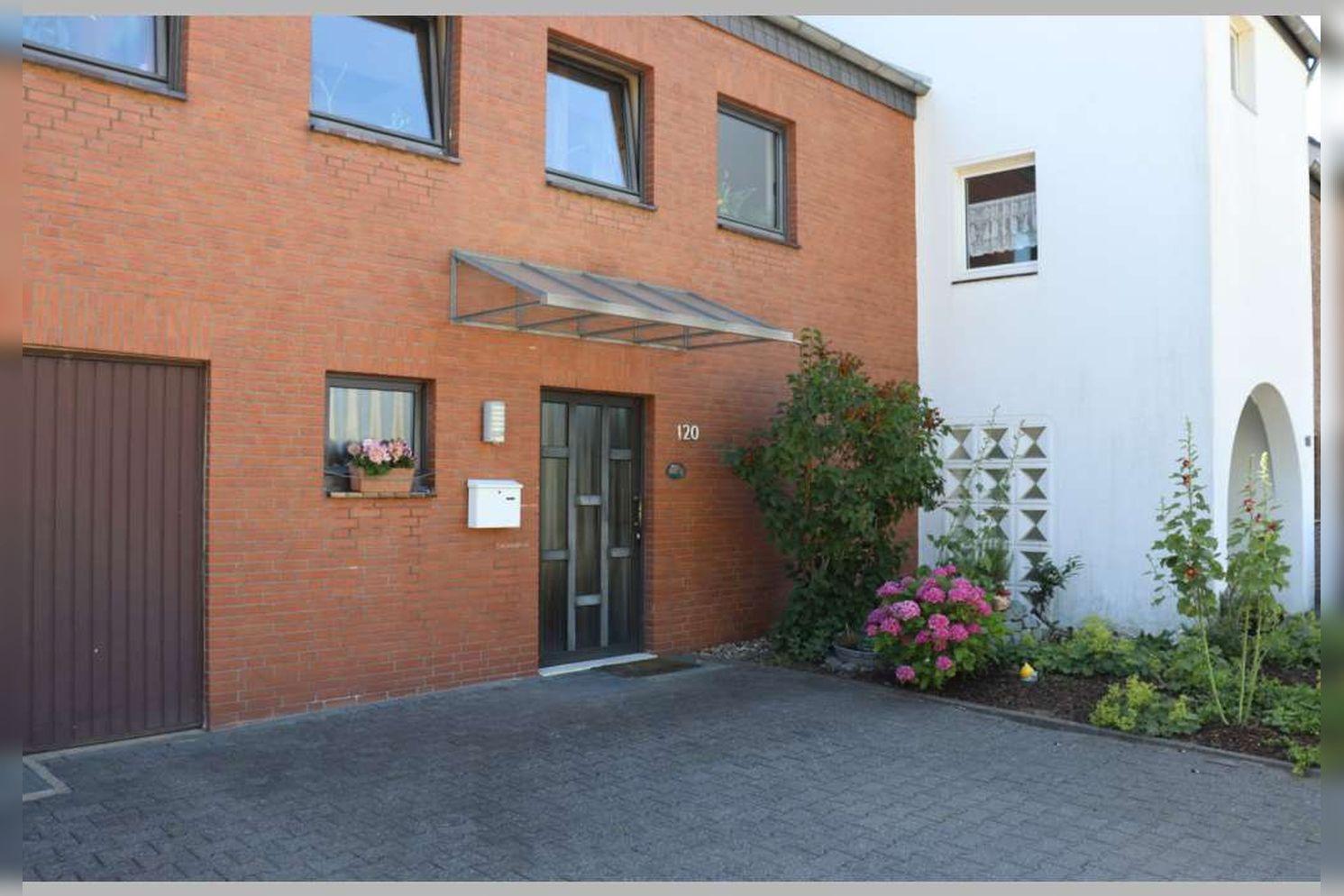 Immobilie Nr.0268 - Reihenmittelhaus mit 4 Zimmern, Küche, Diele, Badezimmer, Gäste-WC, Garten, Garage und Stellplätzen - Bild 6.jpg