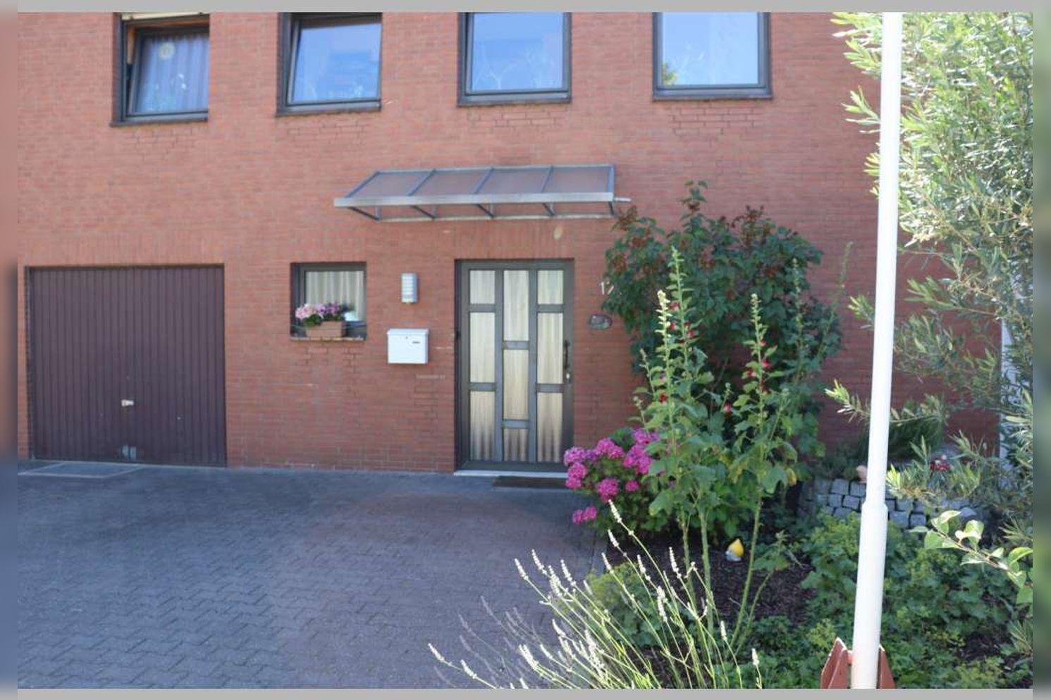 Immobilie Nr.0268 - Reihenmittelhaus mit 4 Zimmern, Küche, Diele, Badezimmer, Gäste-WC, Garten, Garage und Stellplätzen - Bild 7.jpg