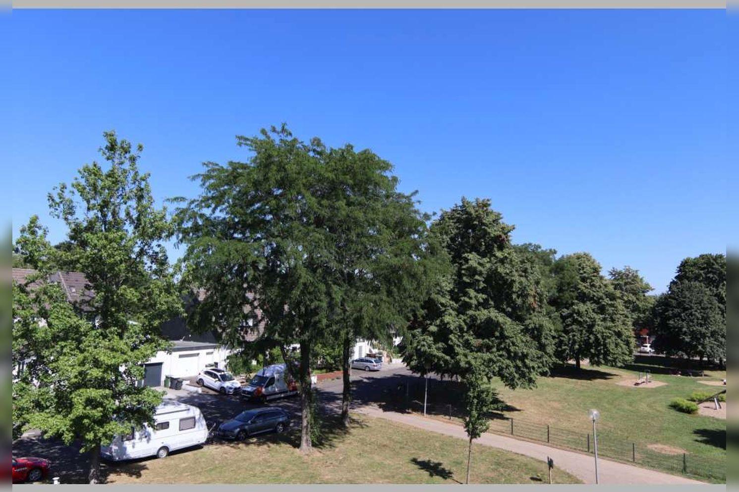 Immobilie Nr.0268 - Reihenmittelhaus mit 4 Zimmern, Küche, Diele, Badezimmer, Gäste-WC, Garten, Garage und Stellplätzen - Bild 8.jpg