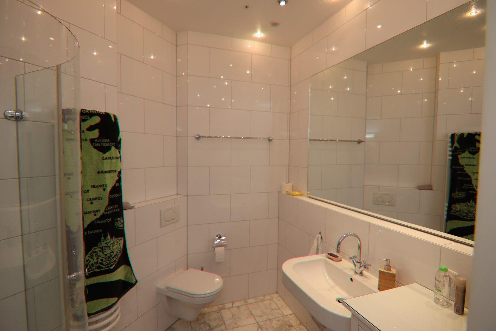 Immobilie Nr.0275 - 4-Raum-Deluxe-Wohnung mit Aufzug, Dachterrasse u. Garage - Bild 11.jpg