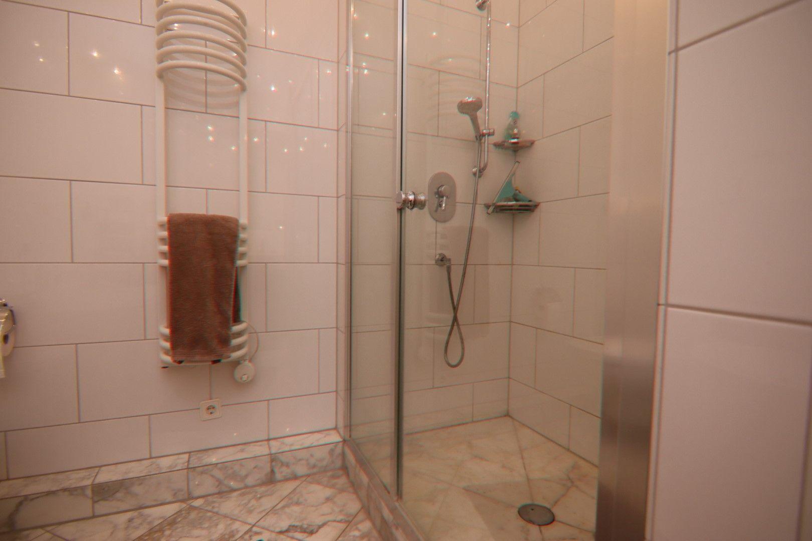 Immobilie Nr.0275 - 4-Raum-Deluxe-Wohnung mit Aufzug, Dachterrasse u. Garage - Bild 12.jpg