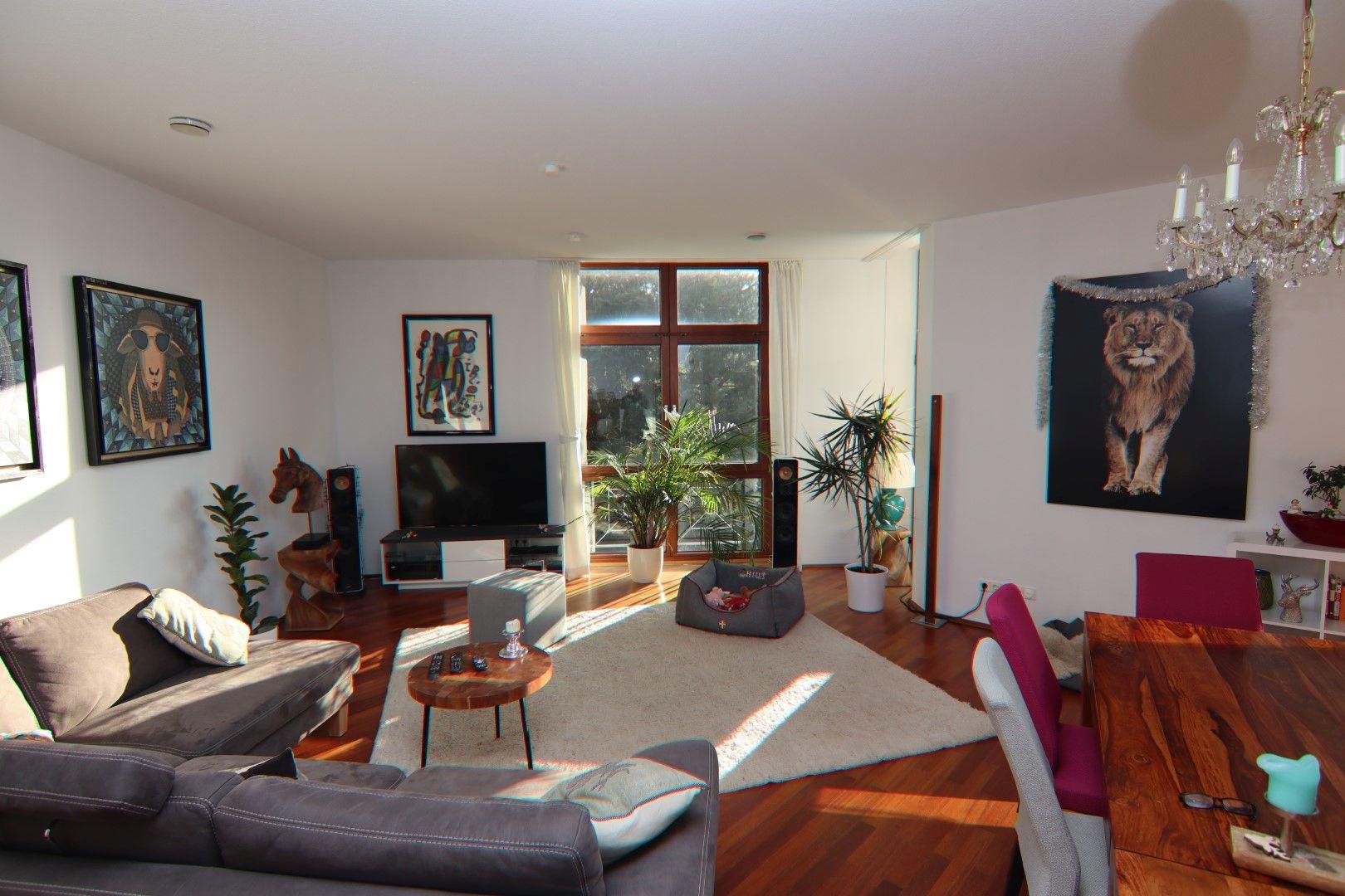 Immobilie Nr.0275 - 4-Raum-Deluxe-Wohnung mit Aufzug, Dachterrasse u. Garage - Bild 2.jpg