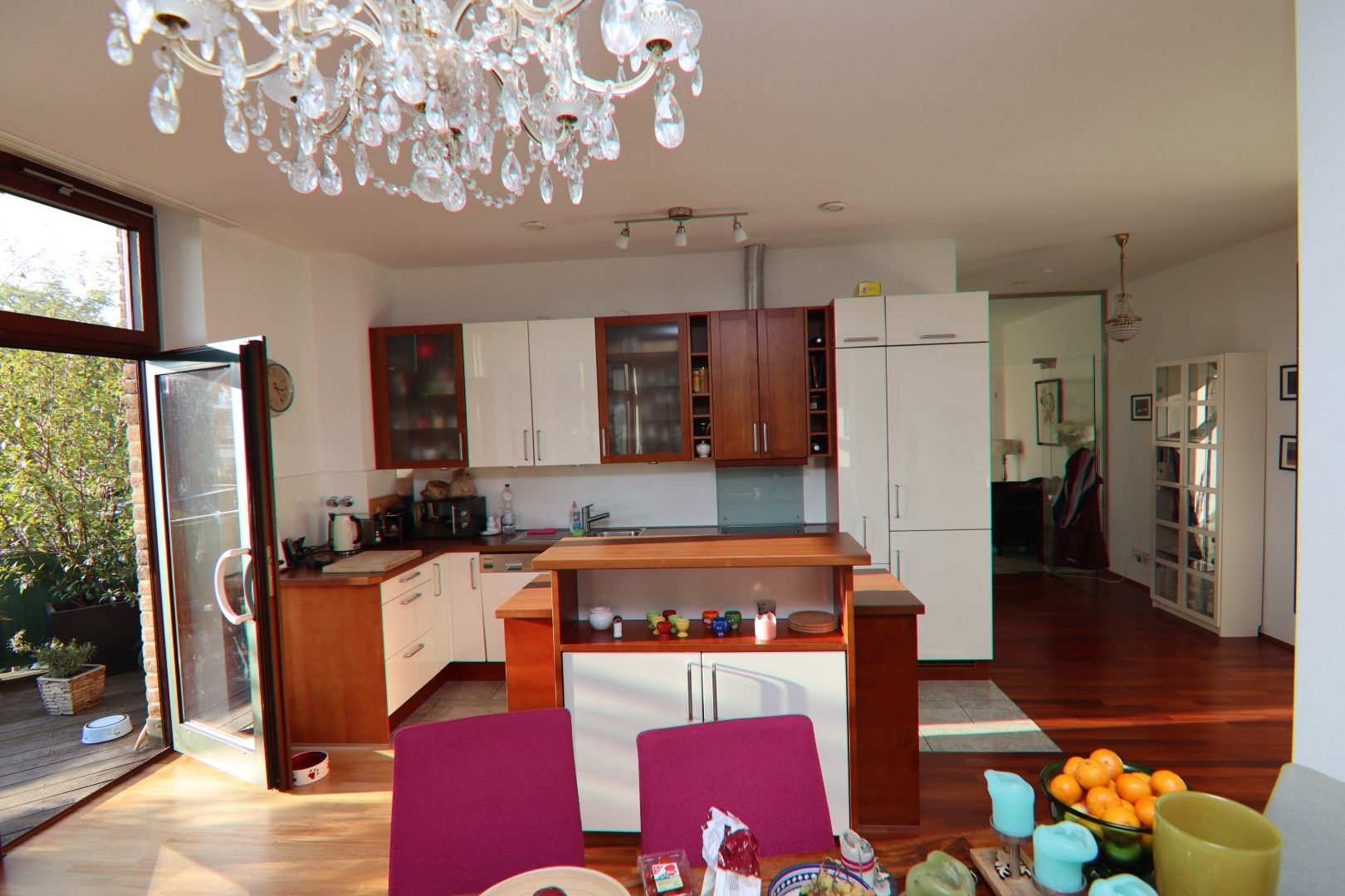 Immobilie Nr.0275 - 4-Raum-Deluxe-Wohnung mit Aufzug, Dachterrasse u. Garage - Bild 5.jpg