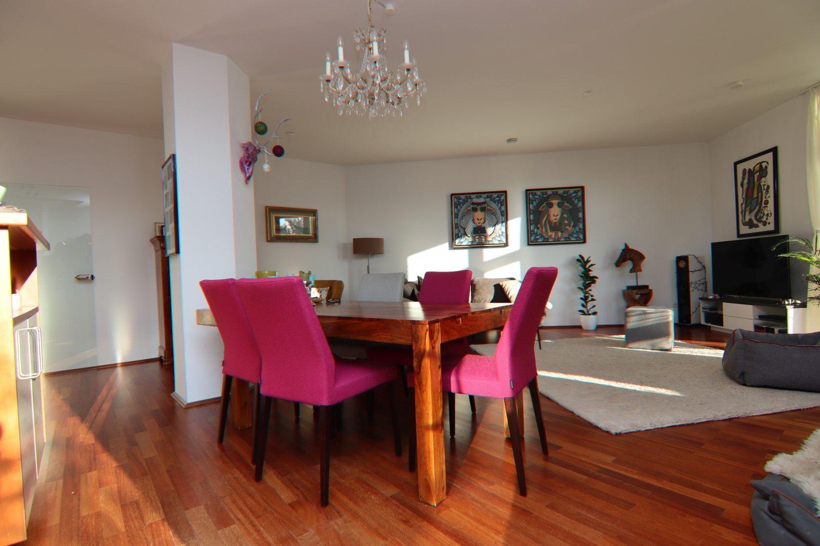 Immobilie Nr.0275 - 4-Raum-Deluxe-Wohnung mit Aufzug, Dachterrasse u. Garage - Bild 6.jpg