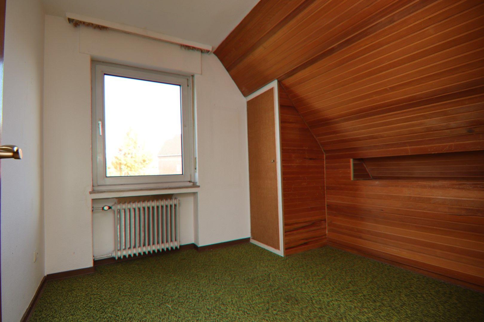 Immobilie Nr.0279 - Freistehendes EFH mit Anbau, Keller und Garage - Bild 11.jpg