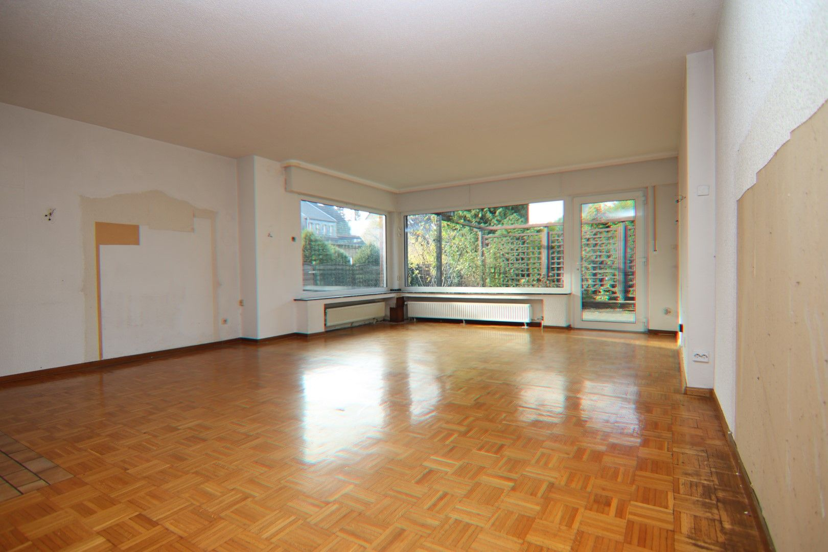 Immobilie Nr.0279 - Freistehendes EFH mit Anbau, Keller und Garage - Bild 5.jpg