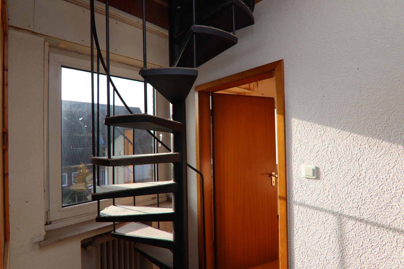 Immobilie Nr.0279 - Freistehendes EFH mit Anbau, Keller und Garage - Bild 7.jpg