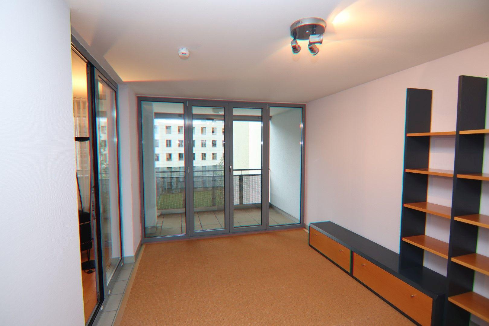 Immobilie Nr.0280 - 2-RAUM-WOHNUNG mit Wintergarten, Stellplatz und Einbauküche  - Bild 4.jpg