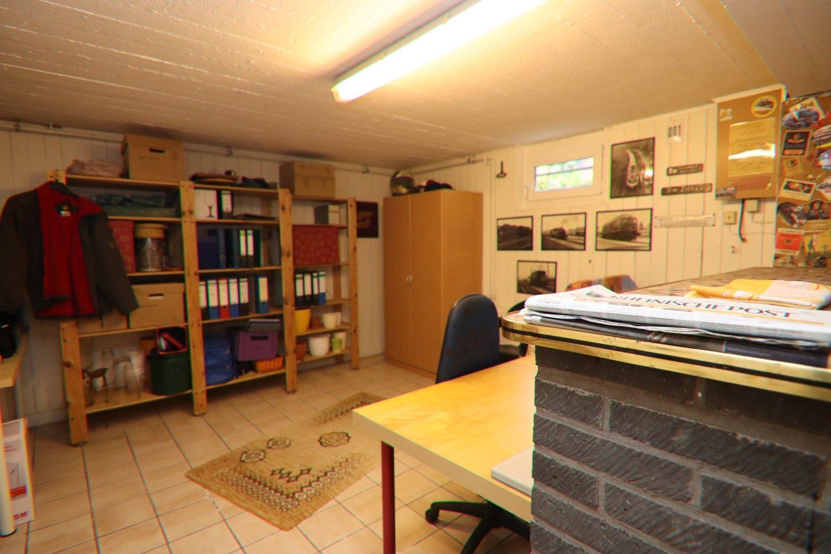 Immobilie Nr.0281 - Freistehendes EFH mit Vollkeller, Wintergarten u. Garage  - Bild 18.jpg