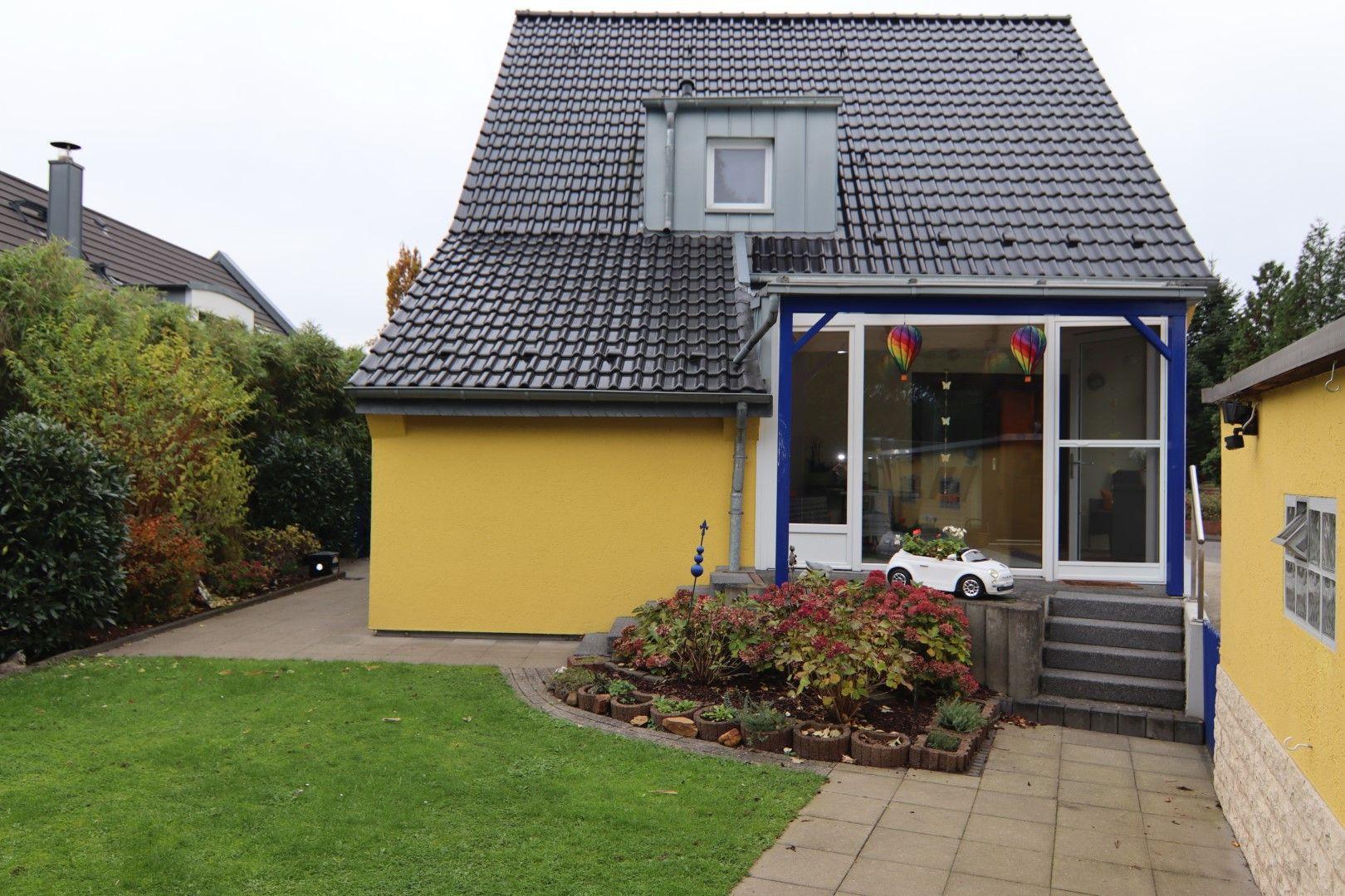 Immobilie Nr.0281 - Freistehendes EFH mit Vollkeller, Wintergarten u. Garage  - Bild 3.jpg