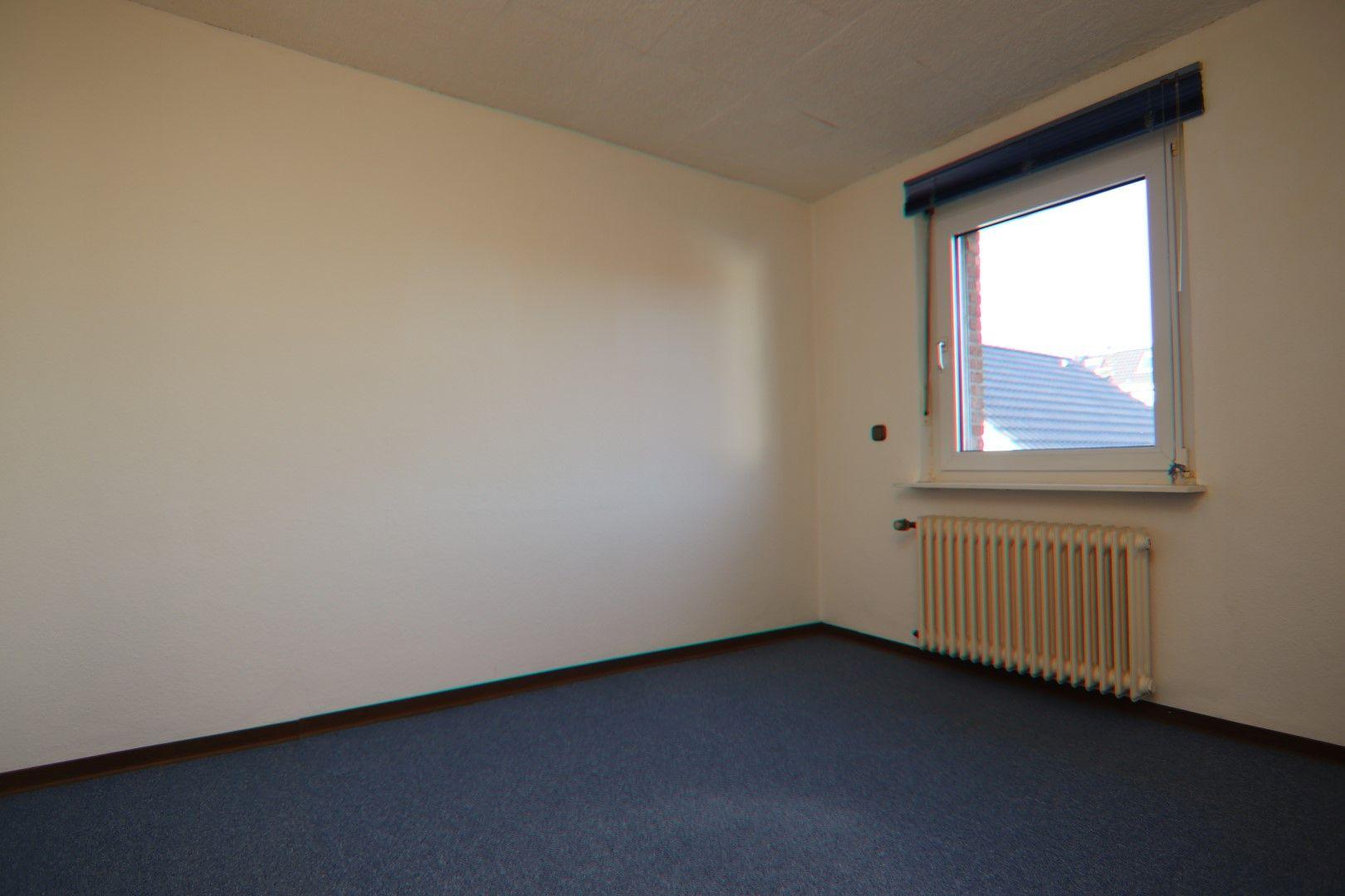 Immobilie Nr.0287 - Doppelhaushälfte mit Garten & Terrasse & Garage - Bild 11.jpg