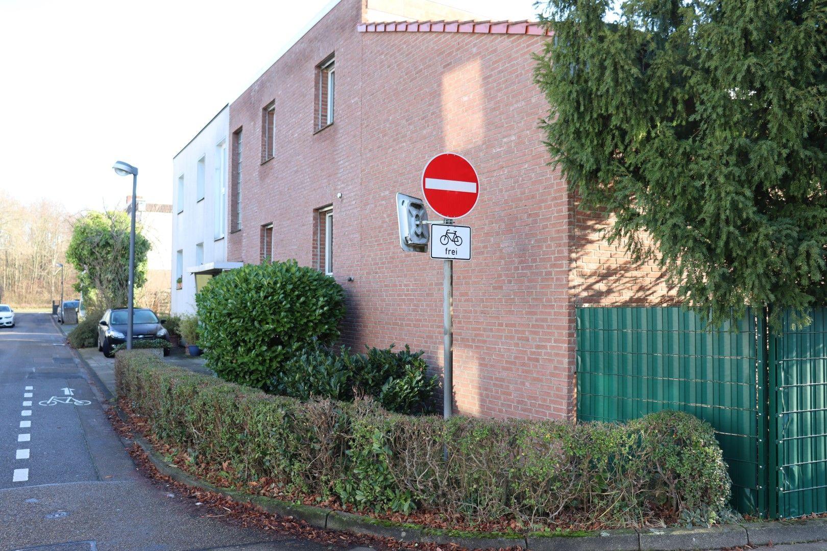 Immobilie Nr.0287 - Doppelhaushälfte mit Garten & Terrasse & Garage - Bild 18.jpg