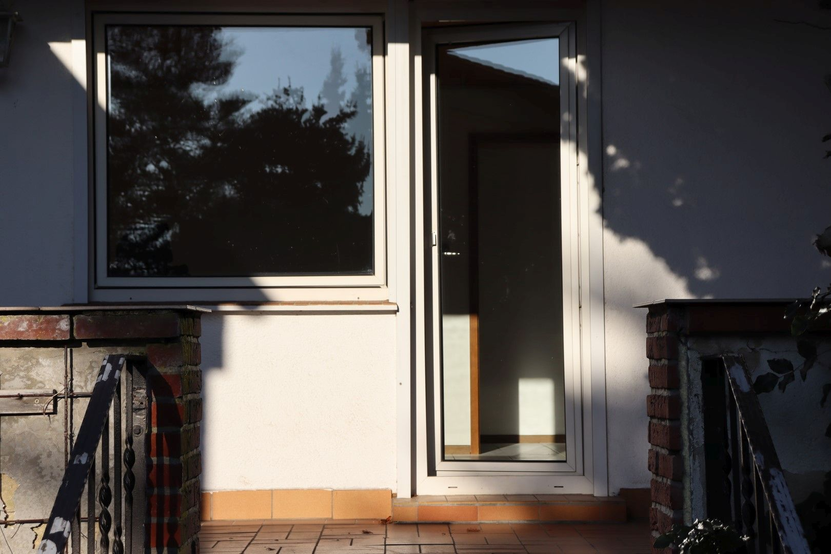 Immobilie Nr.0287 - Doppelhaushälfte mit Garten & Terrasse & Garage - Bild 2.jpg