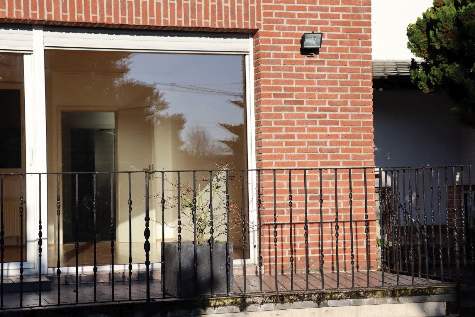 Immobilie Nr.0287 - Doppelhaushälfte mit Garten & Terrasse & Garage - Bild 3.jpg