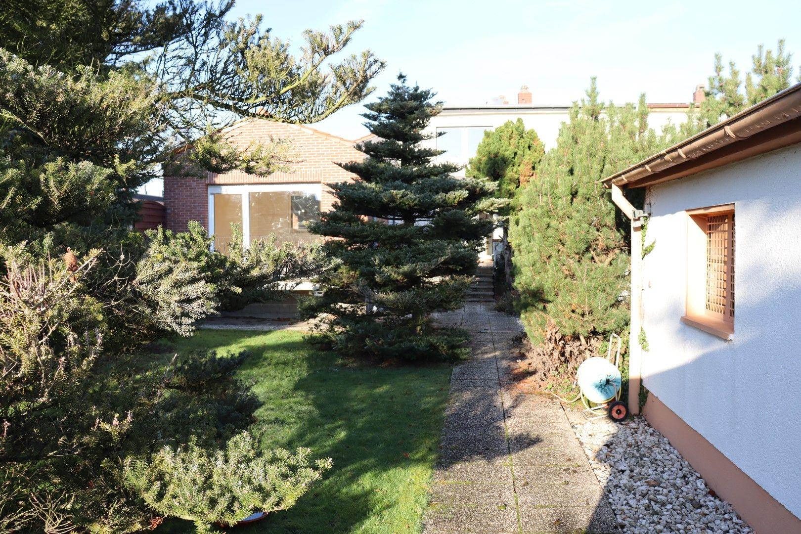 Immobilie Nr.0287 - Doppelhaushälfte mit Garten & Terrasse & Garage - Bild 4.jpg