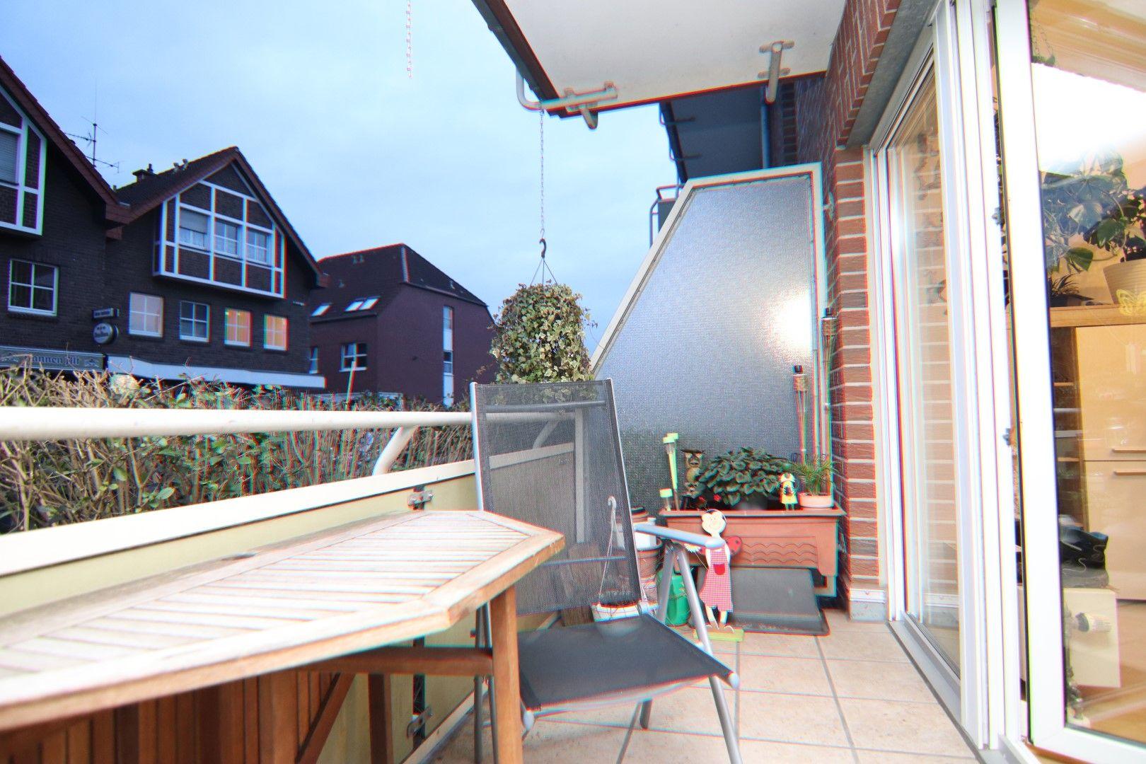 Immobilie Nr.0288 - 4 Zimmer EG-Wohnung mit 2 Bädern und 2 Balkonen - Bild 5.jpg