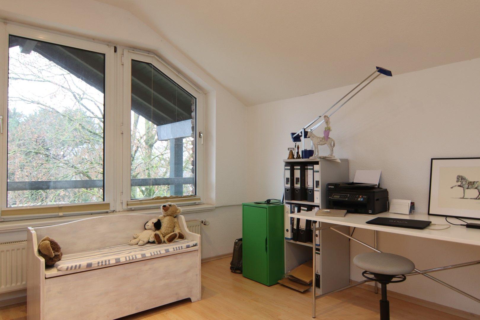 Immobilie Nr.0291 - 4-Raum-Wohnung, 2 Bäder mit Balkon u. Stpl. - Bild 14.jpg