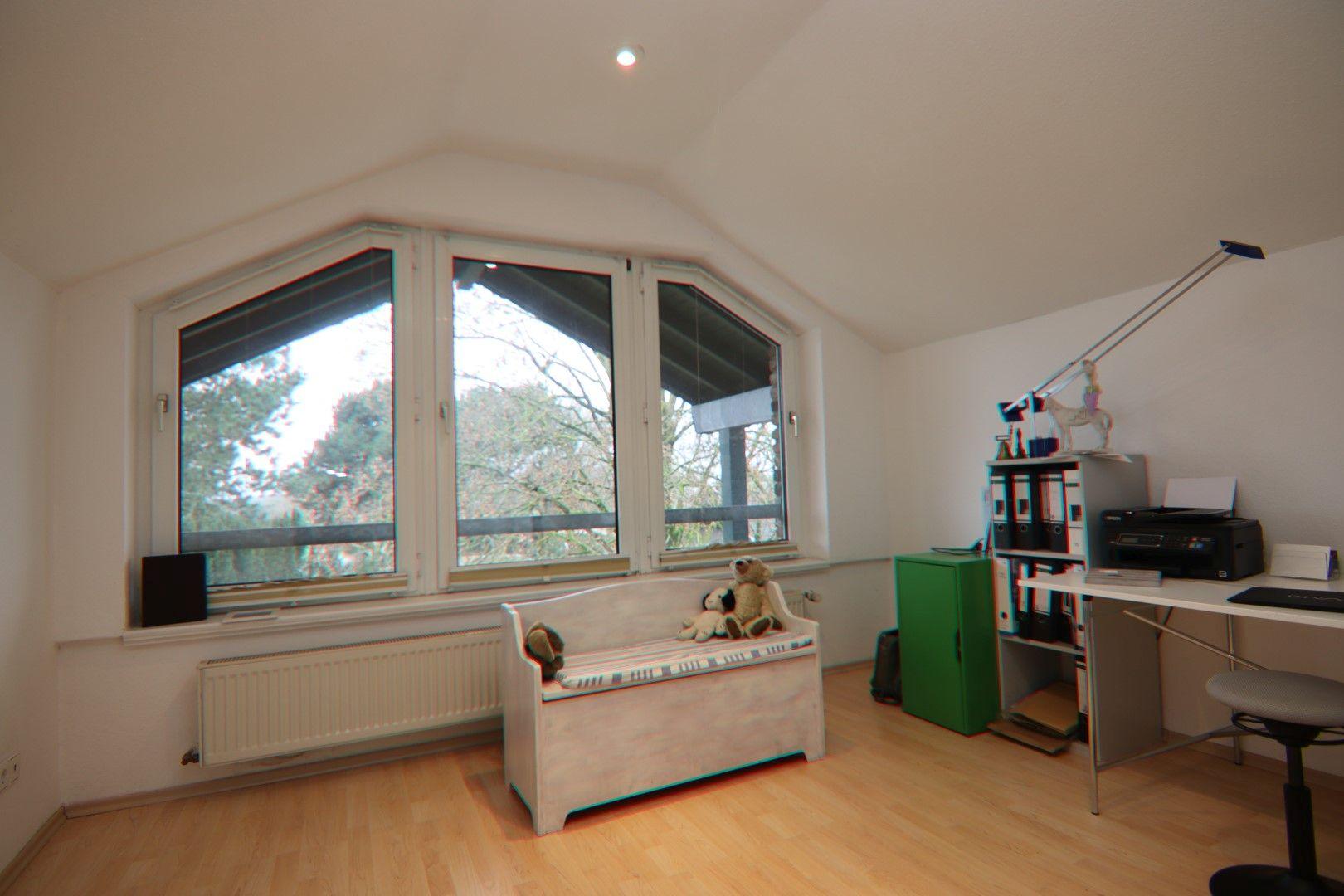 Immobilie Nr.0291 - 4-Raum-Wohnung, 2 Bäder mit Balkon u. Stpl. - Bild 15.jpg