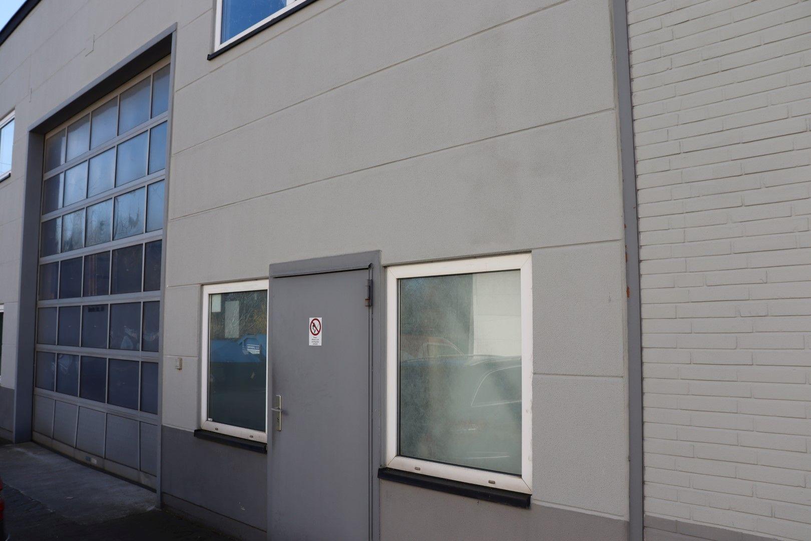 Immobilie Nr.0293 - Hallenfläche mit Büro- und Sozialräumen - Bild 2.jpg
