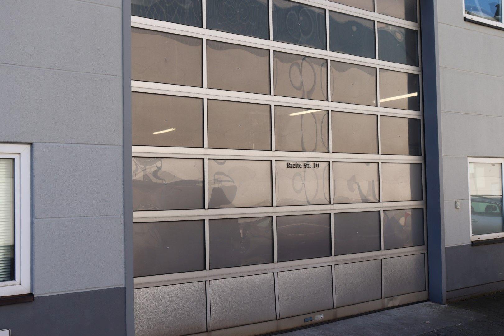 Immobilie Nr.0293 - Hallenfläche mit Büro- und Sozialräumen - Bild main.jpg