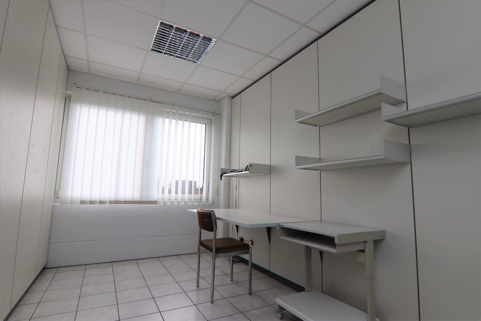 Immobilie Nr.0295 - Bürofläche mit WC-Anlage, Küche u. Aufzug - Bild 10.jpg