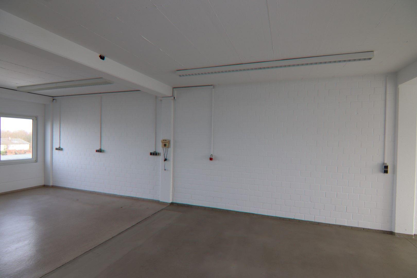 Immobilie Nr.0295 - Bürofläche mit WC-Anlage, Küche u. Aufzug - Bild 11.jpg