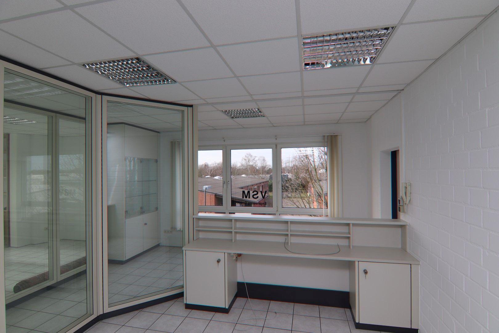 Immobilie Nr.0295 - Bürofläche mit WC-Anlage, Küche u. Aufzug - Bild 13.jpg
