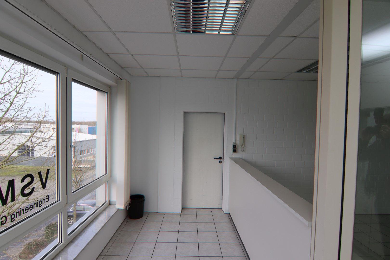 Immobilie Nr.0295 - Bürofläche mit WC-Anlage, Küche u. Aufzug - Bild 14.jpg