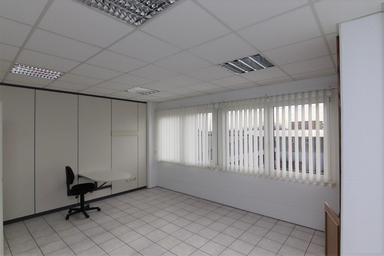 Immobilie Nr.0295 - Bürofläche mit WC-Anlage, Küche u. Aufzug - Bild 15.jpg