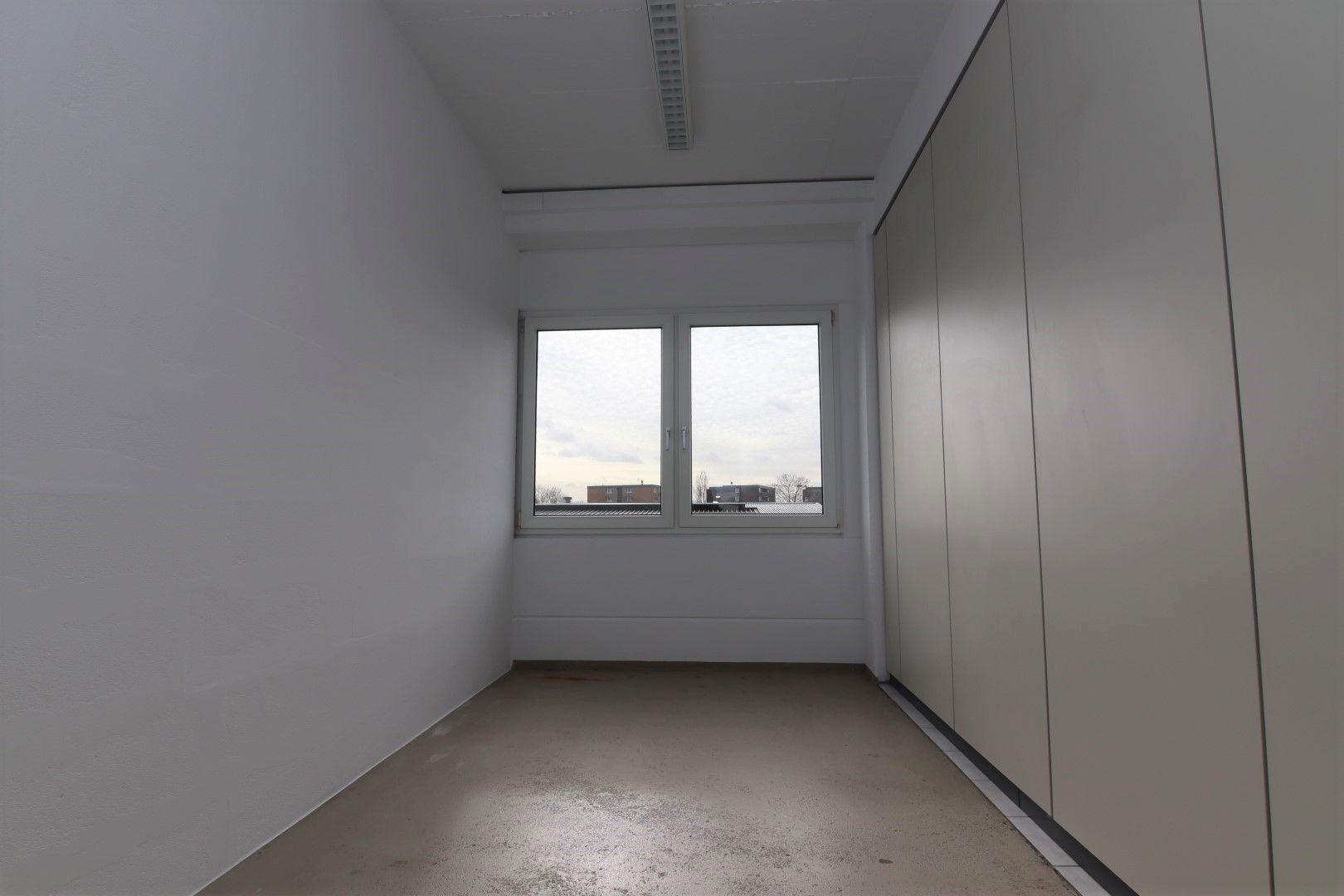 Immobilie Nr.0295 - Bürofläche mit WC-Anlage, Küche u. Aufzug - Bild 6.jpg