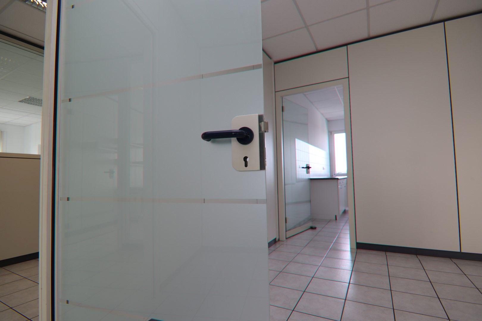 Immobilie Nr.0295 - Bürofläche mit WC-Anlage, Küche u. Aufzug - Bild 7.jpg