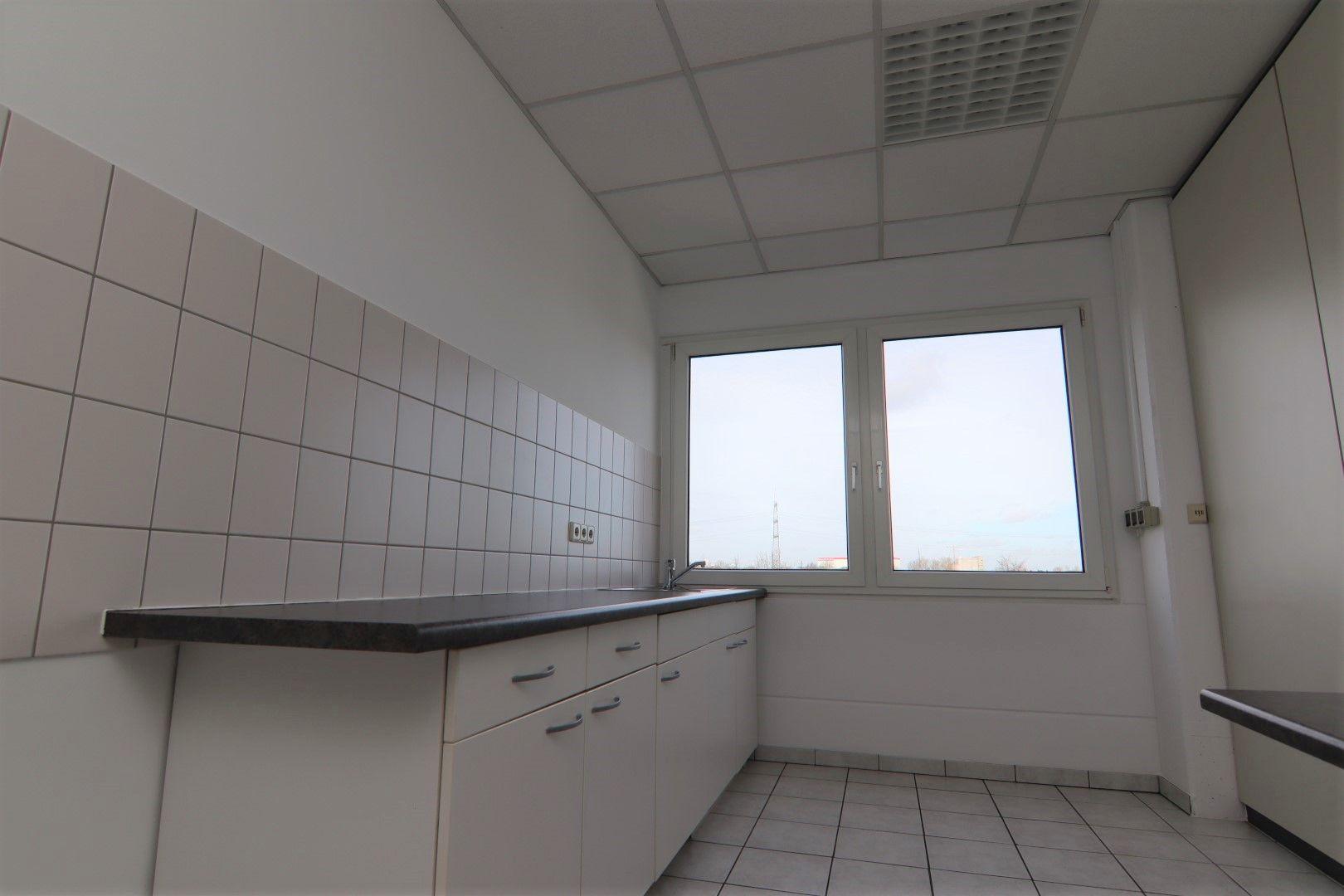 Immobilie Nr.0295 - Bürofläche mit WC-Anlage, Küche u. Aufzug - Bild 8.jpg