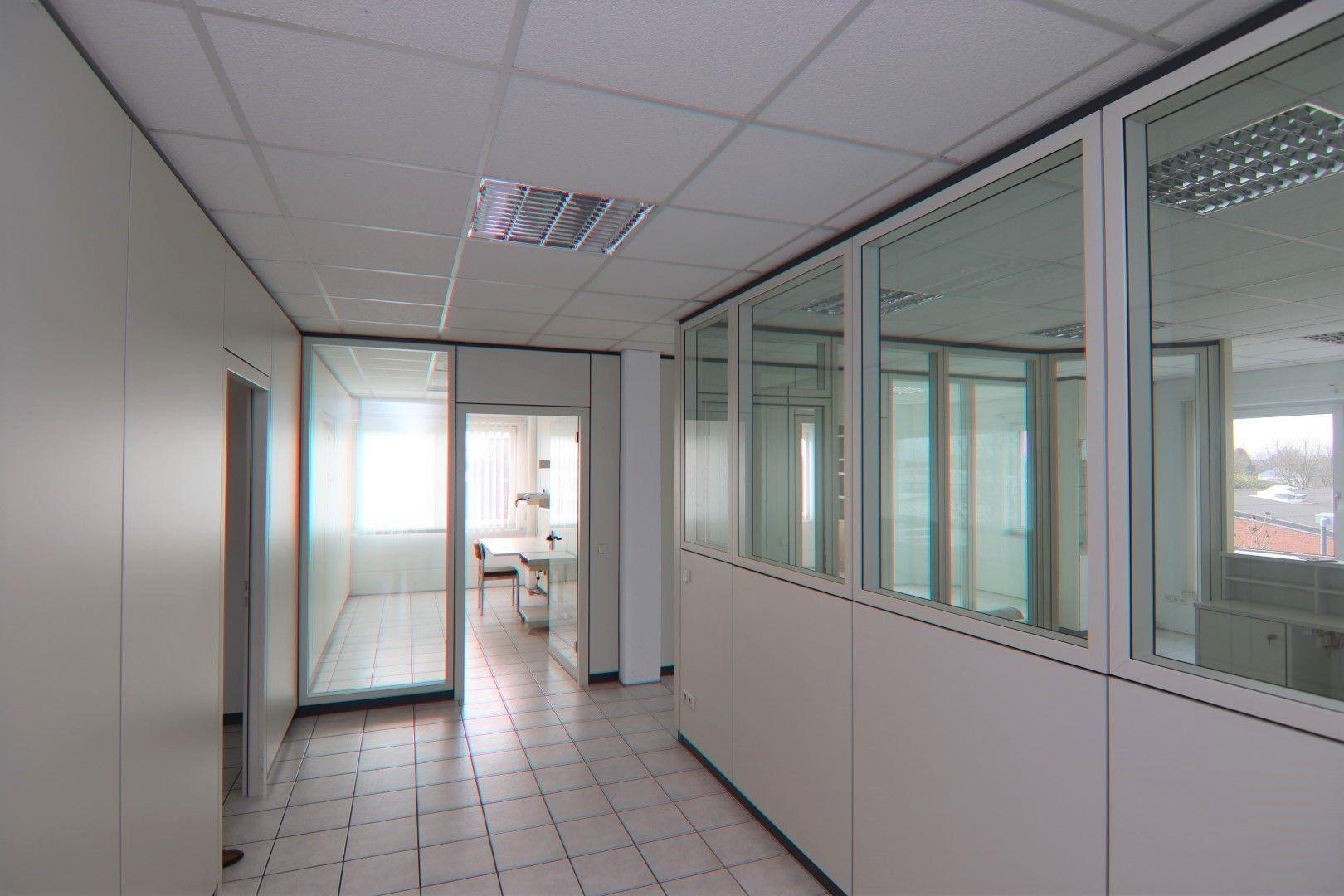 Immobilie Nr.0295 - Bürofläche mit WC-Anlage, Küche u. Aufzug - Bild 9.jpg