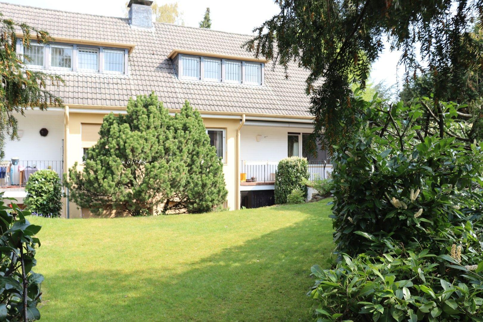 Immobilie Nr.0296 - Grundstück mit 2 DHH und 2 Garagen  - Bild main.jpg