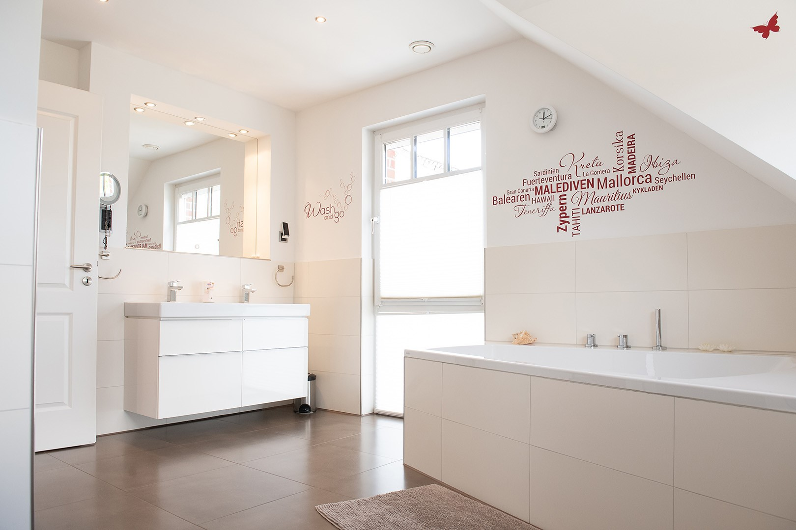 Immobilie Nr.312 - Einfamilienhaus mit Garten & Terrasse & Garage & Carport - Bild 15.jpg