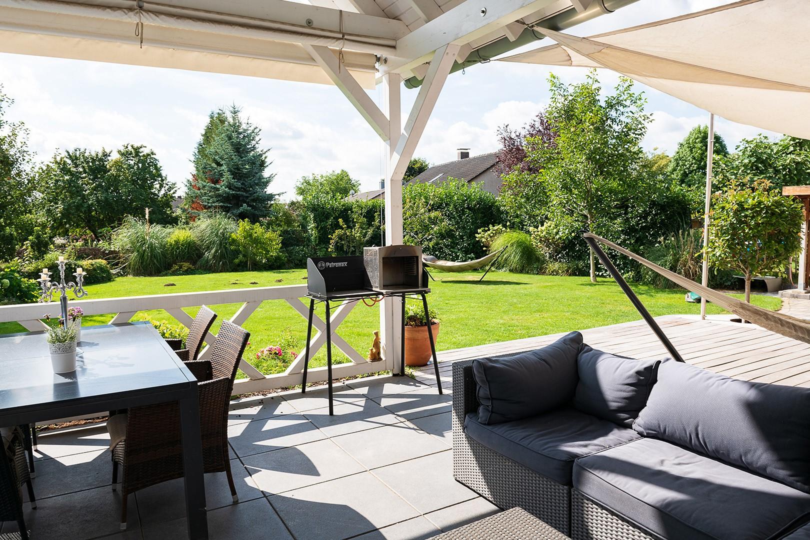 Immobilie Nr.312 - Einfamilienhaus mit Garten & Terrasse & Garage & Carport - Bild 2.jpg