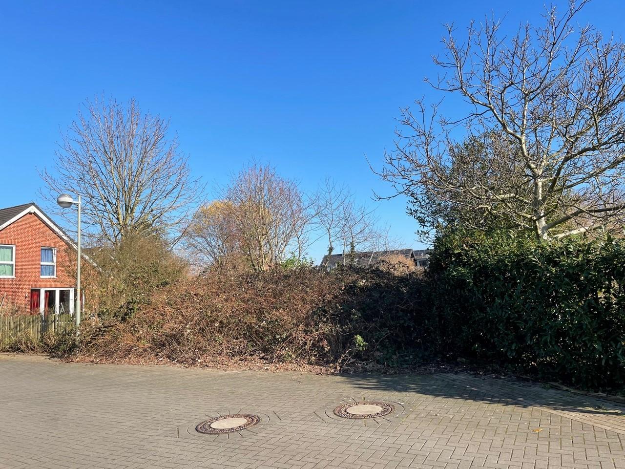 Immobilie Nr.0337 - Baugrundstück für eine DHH rechtsbündig - Bild 2.jpg