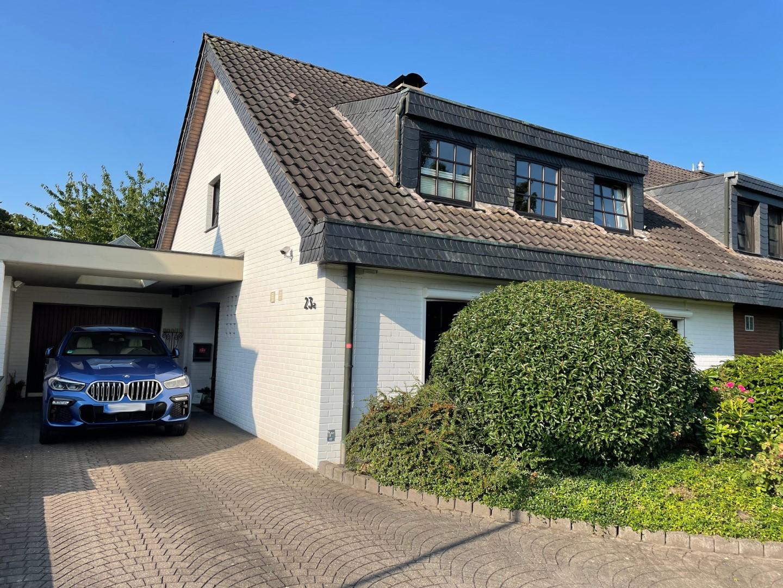 Immobilie Nr.0356 - DHH linksbündig mit Lang-Garage, Carport, Ausbaureserve.  - Bild 2.jpg