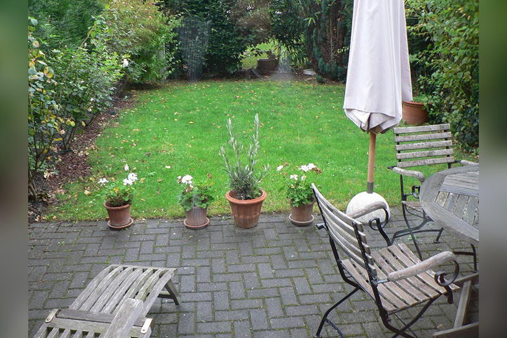 Immobilie Nr.0261 - Reihenmittelhaus mit Garten, Garage u. Stellpl. - Bild 3.jpg