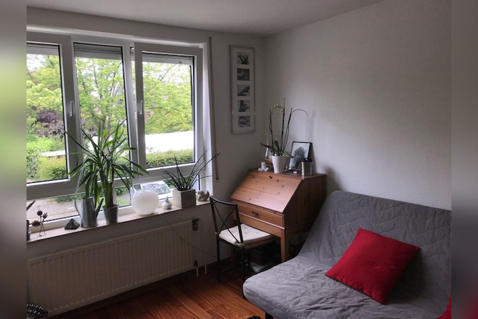 Immobilie Nr.0264 - großzügige Vier-Raum-Wohnung mit Riesenkellerraum für Hobby etc. - Bild 4.jpg