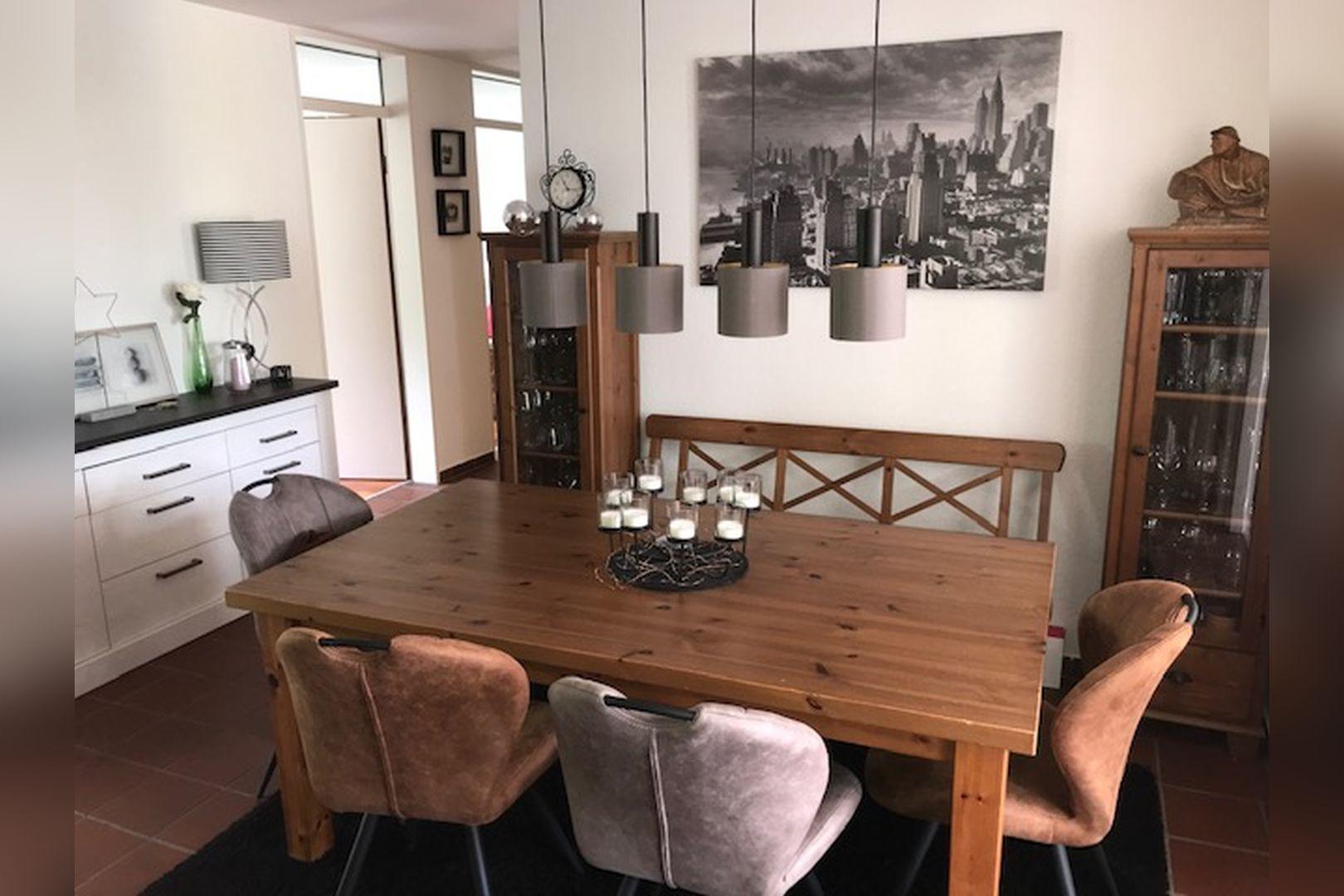 Immobilie Nr.0264 - großzügige Vier-Raum-Wohnung mit Riesenkellerraum für Hobby etc. - Bild main.jpg